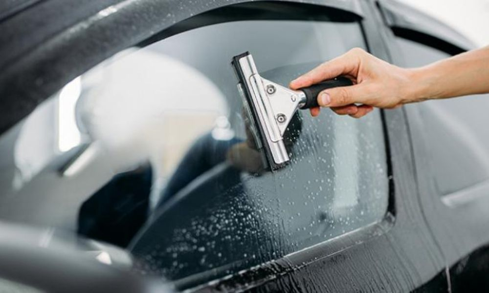how to clean your car windows for a sqeaky clean